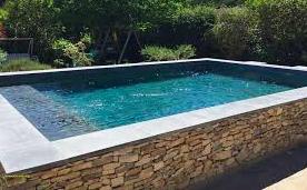 margelle en béton rénover sa piscine