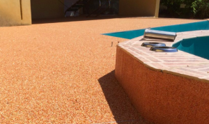 renover sa piscine tapis de pierre