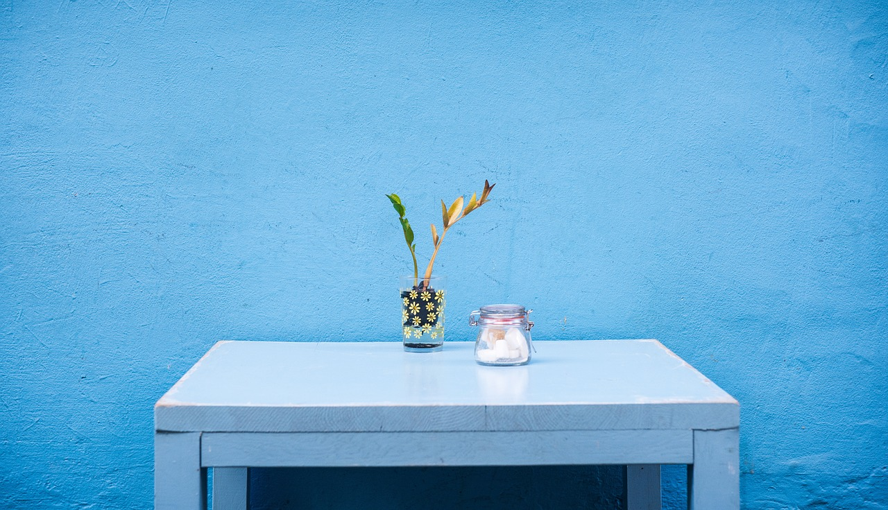renover table avec resine epoxy transparente